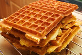 Baking Brussels Waffels - Serie - 4 of 5 — Stock Photo