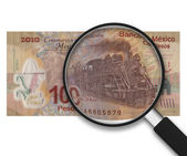 Magnifying Glass - 100 Pesos - Back Side — Stock Photo