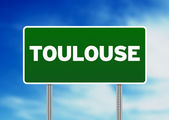 Green Road Sign - Toulouse, France — Stock Photo