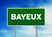 Green Road Sign - Bayeux, France — Stock Photo