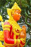 Style thaï cire ange statue au festival de bougie à ubonratchathani — Photo