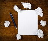 Lege Kladblok met inkt pen — Stockfoto