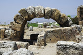Ruins of ancient city Heirapolis near Pamukkale, Turkey. — Stock Photo