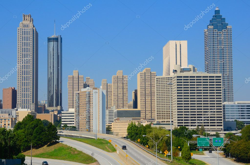 Skyline of downtown Atlanta, Georgia from above Freedom Parkway. — Stock Photo #6862401