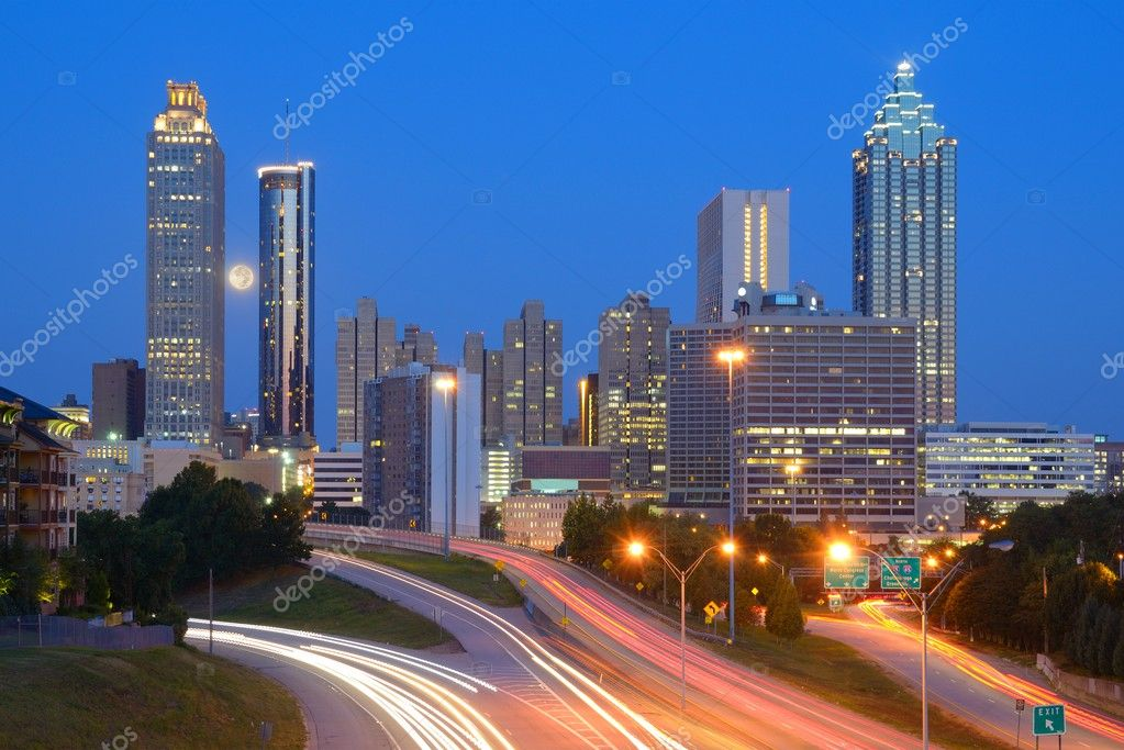 Skyline of downtown Atlanta, Georgia from above Freedom Parkway. — Stock Photo #6862449
