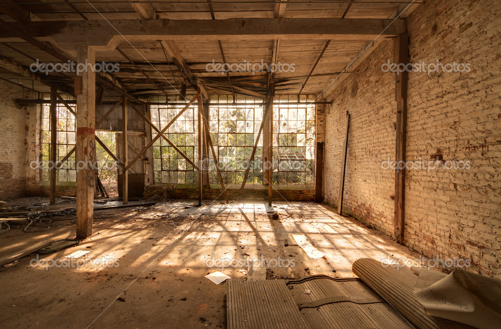 Ancienne usine d saffect e photographie sepavone 7732133 - Acheter une usine desaffectee ...
