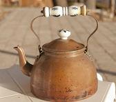 Copper tea pot — Stock Photo
