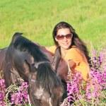 at alanında güzel kadınlar — Stok fotoğraf #7686879