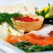 Fish assorted with salmon roe — Stock Photo #6880679