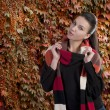 Lady in autumn sweater — Stockfoto