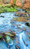 Skalista strumień jesień — Zdjęcie stockowe