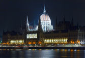 Budapest Parliament night view — Stock Photo