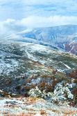 первый зимний снег осенью горное плато — Стоковое фото