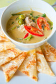 Kind of Indian food made of flour with chicken green curry : Traditional In — Stock Photo