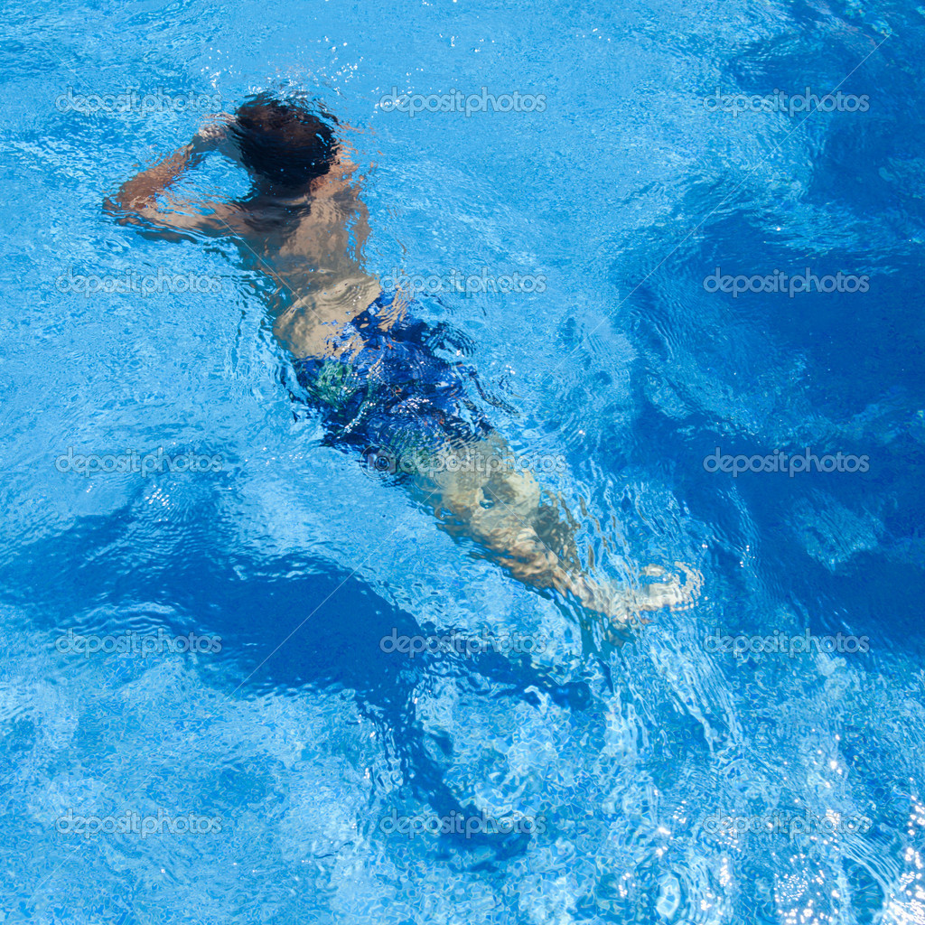 Zwembad achtergrond stockfoto tamara k 6815213 for Zwembad aanschaffen