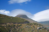 Altocumulus standing lenticularis over Little Lion's Head (Klein — Stock Photo