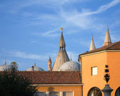 View over rooftops to Basilica of Saint Anthony of Padua; Sant'A — Stock fotografie