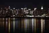 Midtown (West Side) Manhattan at night seen from Weehawken, NJ. — Stock Photo