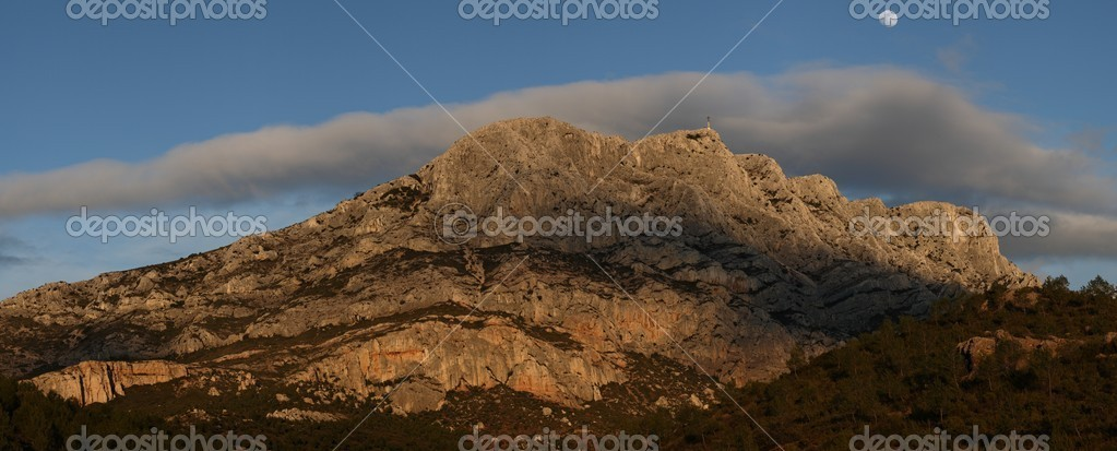 Mont Sainte Victoire in Provence, France  — Stock Photo #7415777