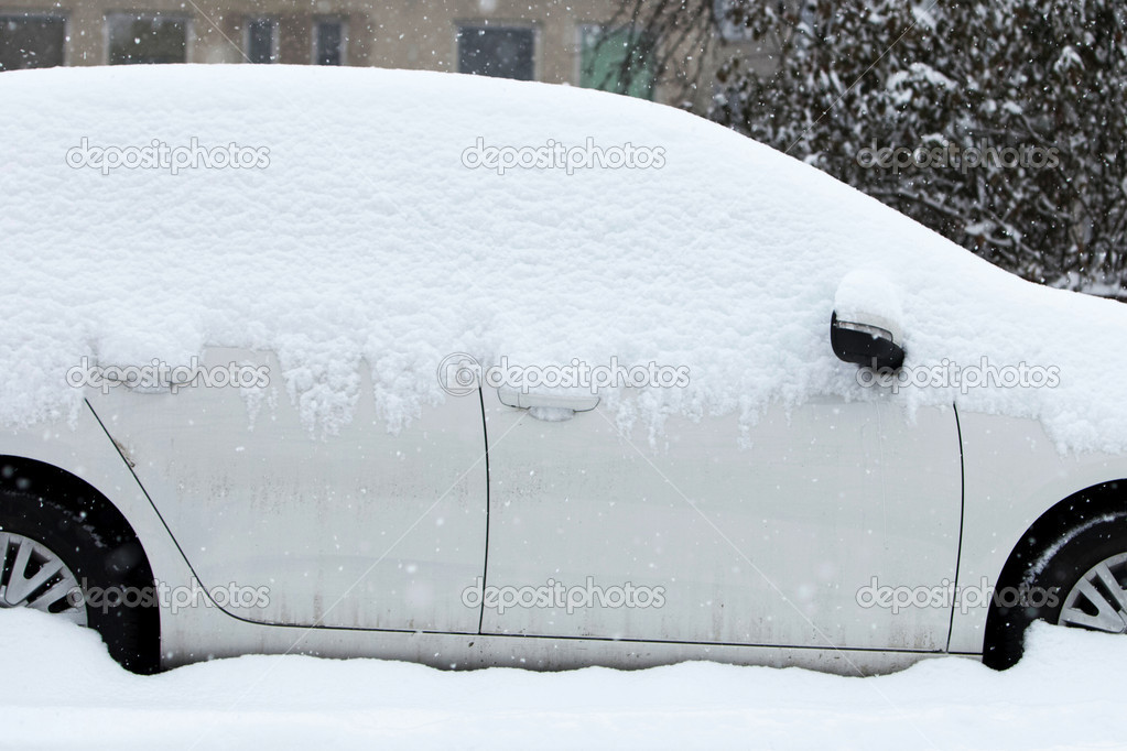 Cars in winter — Stock Photo #7416464