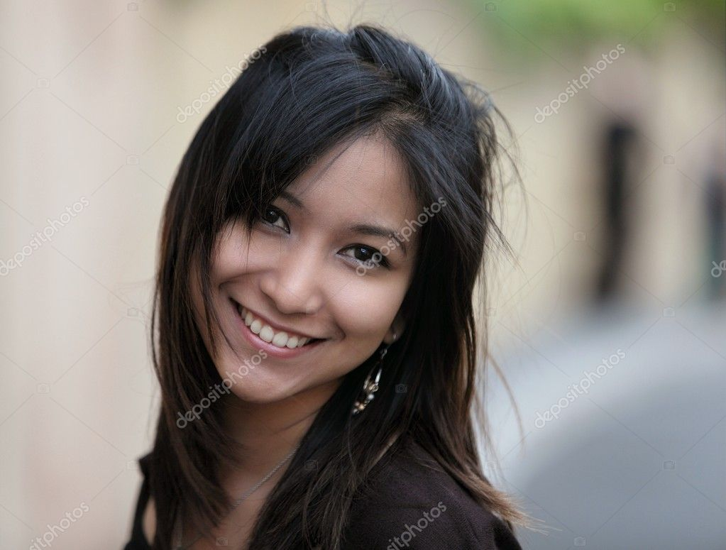 Portrait of a very attractive young asian woman  — Stock Photo #7420200