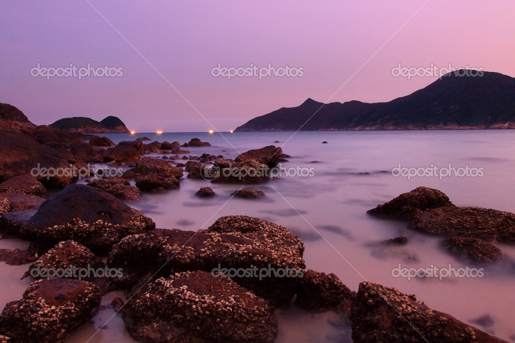 Sunset along the coast. Nature composition under long exposure. — Stock Photo #6870018