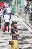 Azjatyckie kobiety samotnie czekam — Zdjęcie stockowe