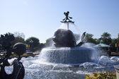 Hong Kong Disneyland fountain at entrance — Stock Photo