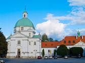 Igreja de st kazimerz em varsóvia, polónia — Fotografia Stock