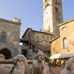 Palazzo del Podesta, Bergamo, Italy — Stock Photo #7630833