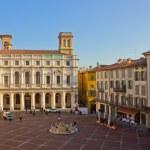 Palazzo del Podesta, Bergamo, Italy — Stock Photo #7674565