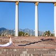 Urban Yoga bhujangasana cobra pose — Stock Photo