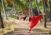 Yoga virabhadrasana III warrior pose — Stock Photo