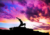 Yoga virabhadrasana warrior pose — Stock Photo