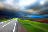 Blurred Road with blurred sky — 图库照片
