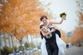 A beautiful bride and groom — Stock Photo