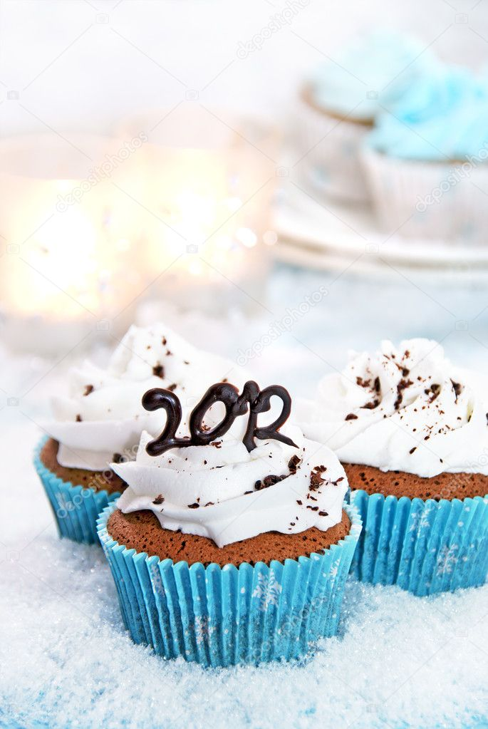 Wintery cupcakes to celebrate the new year 2012                    — Stock Photo #6850987