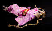 Krása žena ležela v kimonu cosplay charakter — Stock fotografie