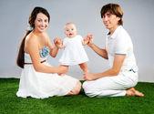 Jonge gezin — Stockfoto