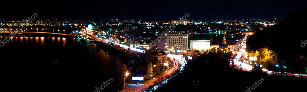 Beautiful panorama of the city at night — Stock Photo #7591415