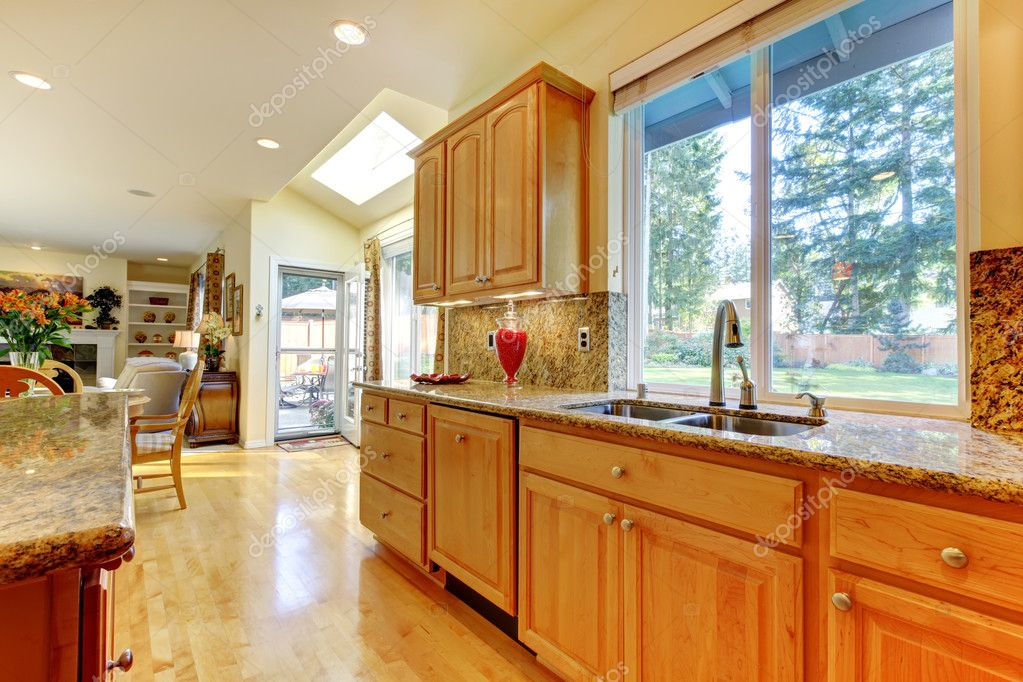 Bright large open kitchen — Stock Photo #7590710