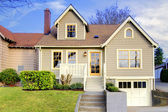 Cute craftsman style home with unique colot combination — Stock Photo