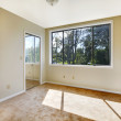 Empty white room with a large window — Stock Photo #7807110
