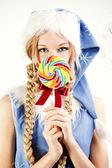 Vrij sneeuw maiden bedrijf heldere lolly — Stockfoto