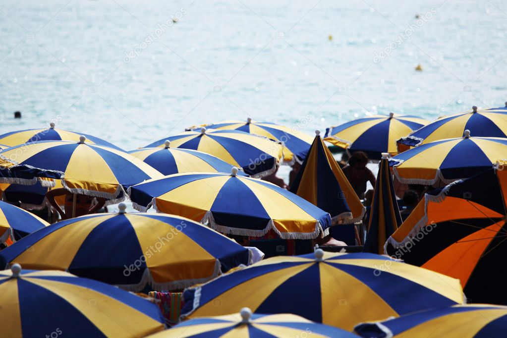 Umbrellas on beach — Stock Photo #6752801