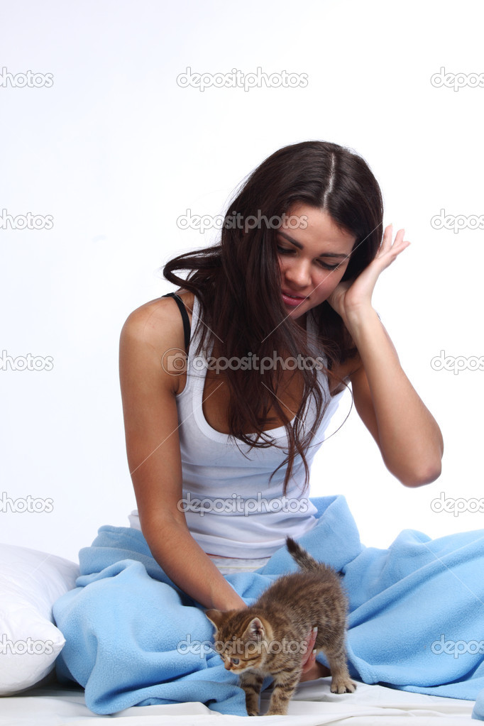 Waking woman on the white pillow — Stock Photo #6850072