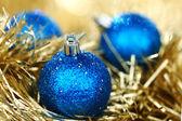 Boule de noël bleue — Photo