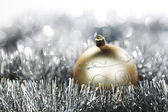 Boule de noël or — Photo