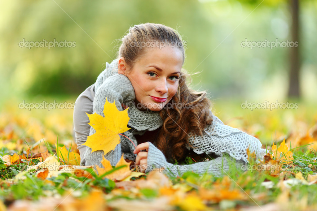  woman portret in autumn leaf close up  Stock Photo #7294391