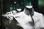 ショーケースの衣類 — ストック写真